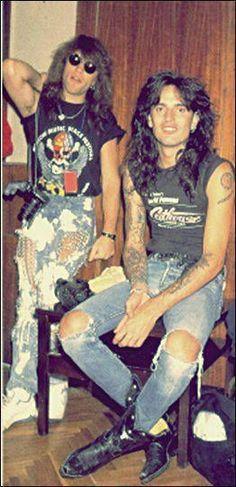 Jon (Bon Jovi) and Tommy Lee (Mötley Crüe). This must've been before their fight over the headlining spot at the Moscow Peace Festival (Bon Jovi won ; Glam Metal, Jon Bon Jovi, Bon Jovi 80s, Mr Big, Tommy Lee Motley Crue, 80s Hair Bands, Festa Party, Rockn Roll, Nikki Sixx