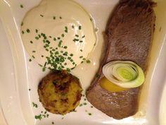 Tafelspitz @ Casino Admiral Live Casino, Hummus, Breakfast, Lokal, Ethnic Recipes, Food, Restaurant, Good Food, Tips