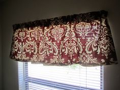 How to make valances for the kitchen