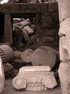 Agora di Aigai (Eolide), capitello ionico   Flickr - Photo Sharing! Minoan, Ancient Mysteries, Crete, Cyprus, Mystery, Ornament, Greece, Decoration, Ornaments