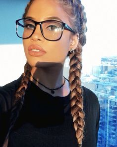 Love the Glasses it looks well on her Cute Glasses, Girls With Glasses, Casual Hairstyles, Cute Hairstyles, Natural Hair Styles, Long Hair Styles, Natural Curls, Gorgeous Hair, Pretty Face