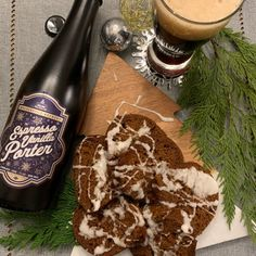Yule love it!Walkerville Espresso Vanilla Porter! Treat them (& yourself)!$1 per bottle sold will be donated to United Way's COVID-19 Community Response and Recovery Fund Essex County, Gingerbread Cake, Maple Glaze, Espresso Coffee, Creamy White, Pumpkin Puree, Wineries, Natural Flavors, Yule
