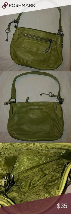 Fossil Leather Shoulder Bag 11 x 7..Preowned Fossil Bags Shoulder Bags