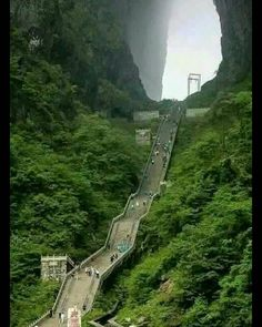 Door to heaven Puerta del Cielo - Parque Nacional Tianmen, China Places Around The World, The Places Youll Go, Travel Around The World, Places To See, Around The Worlds, Wonderful Places, Beautiful Places, Amazing Places, Beautiful Scenery
