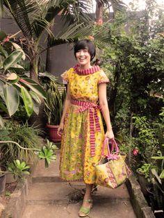 <3 Batik amarillis made in Indonesia <3   Batik Amarillis Creative Director Selly Hasbullah Wearing Batik Amarillis's hey day dress ... www.batikamarillis-shop.com