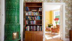 TIDIGT 1900-TAL STOCKSUND | Wrede Scandinavian Style, Bookcase, Shelves, Interior Design, Home Decor, Nest Design, Shelving, Decoration Home, Home Interior Design