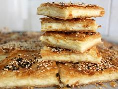 בורקס ים תיכוני Baking Recipes, Cake Recipes, Dessert Recipes, Desserts, Picnic Finger Foods, Savoury Baking, Bread Cake, Salad Dressing Recipes, Arabic Food