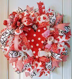 Valentine's day Wreath, Valentine's wreath, Valentine's decorations, Valentine's swag, Valentine's decor, wreath for front door, Valentine's by Wreathmakintreasures on Etsy