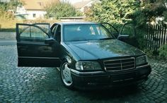 Mercedes-Benz W202 C220