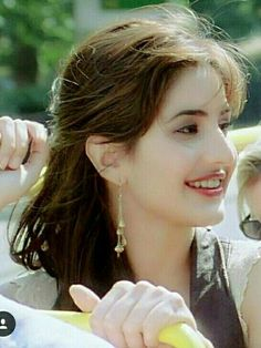 Beautifull Actress of bollywood movies katrina kaif. Katrina Kaif Hot Pics, Katrina Kaif Images, Katrina Kaif Photo, Beautiful Girl Photo, Beautiful Girl Indian, Most Beautiful Indian Actress, Beautiful Women, Beauty Full Girl, Cute Beauty