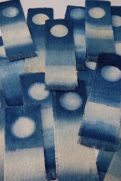 itajime – Page 3 – Shibori Girl Shibori Fabric, Shibori Tie Dye, Japanese Textiles, Japanese Fabric, Design Textile, Textile Art, Fabric Painting, Fabric Art, Textiles Techniques