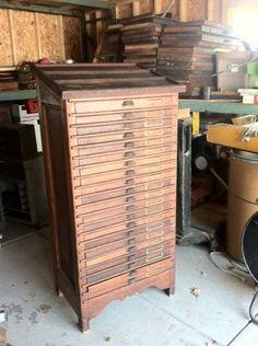 Adoro, adoro, adoro. E preciso! Letterpress Oak Two Thirds Type Cabinet with 21 Drawers & Slanted Top