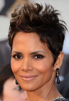halle-berry-hairstyle-3