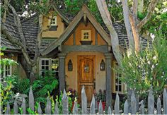 Get ready for some Carmel Cottage overload. This post has a pic of every cute cottage in Carmel! Im dying♥♥♥ - Cottage Life Today Cozy Cottage, Cottage Homes, Cottage Style, Tudor Cottage, Red Cottage, Modern Cottage, Craftsman Cottage, Rustic Cottage, Cottage Interiors