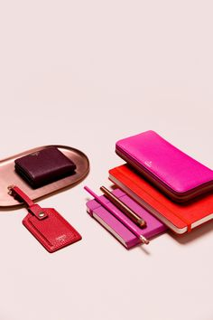 @Fossil in hues of red and pink, perfect items to gift this holiday season. Gift curiously.