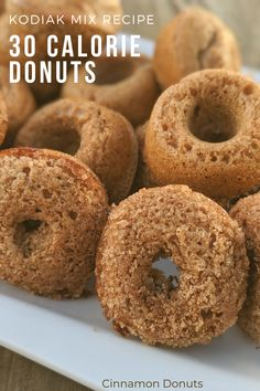 With 30 calories each, this Kodiak protein donut recipe is quick and easy. Low calorie, low sugar, and high in protein. Protein Donuts, Healthy Donuts, Protein Desserts, Low Calorie Desserts, Protein Foods, Healthy Sweets, Low Calorie Recipes, Healthy Baking, Donut Calories