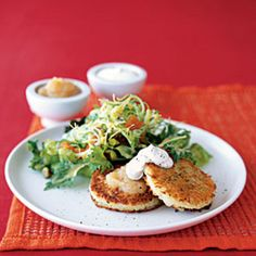 Parmesan Potato Pancakes - Never underestimate the power of leftovers! Last night's mashed potatoes are today's delicious parmesan potato pancakes. Serve with a side salad for lunch. Clean Eating, Healthy Eating, Healthy Foods, Healthy Lunches, Cholesterol Lowering Foods, Cholesterol Levels, Cholesterol Symptoms, Tapas, Winter Salad