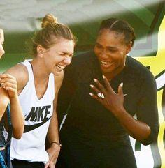 Simona Halep (no 1) and Serena Williams ( ex.no 1) -Miami 2018- Happy girls !