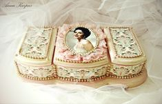 Анна Карпусь - великолепный Мастер из Украины. Jewellery Storage, Jewelry Box, Decoupage Box, Altered Boxes, Modern Wallpaper, Handmade Decorations, Decorative Boxes, Shabby Chic, Photo Wall