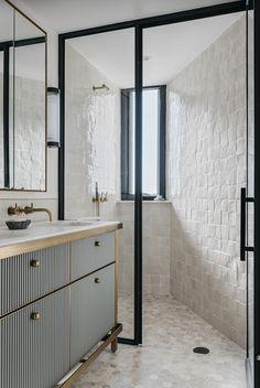 Home Decor Videos Gold taps are officially biggest interior trend - Vogue Australia.Home Decor Videos Gold taps are officially biggest interior trend - Vogue Australia White Bathroom, Modern Bathroom, Small Bathroom, Master Bathroom, Bathroom Ideas, Bathroom Inspo, Modern Shower, Shower Ideas, Masculine Bathroom