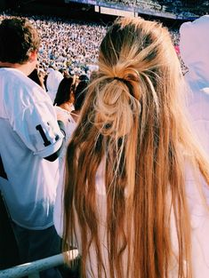 68 Cute and Easy Long Hairstyles for School for Fall and Winter hairstyles for school 68 Cute and Easy Long Hairstyles for School for Fall and Winter Easy Hairstyles For Long Hair, Winter Hairstyles, Cool Hairstyles, Simple Hairstyles For School, Baddie Hairstyles, Blonde Hairstyles, Hairstyles 2018, Twist Hairstyles, Hairdos