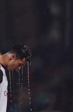 Messi Vs Ronaldo, Messi And Neymar, Cristiano Ronaldo Juventus, World Best Football Player, Football Players, Fifa, Cr7 Junior, Cristiano Ronaldo Wallpapers, Soccer Stars