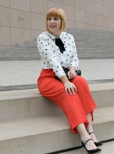 Culottes with printed blouse with bow