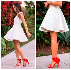 Zapatos para combinar con un vestido blanco