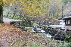 Puente sobre el rio en Bulnes