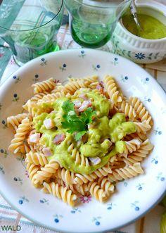 fusilli al pesto di zucchine Fusilli, Pancetta, Pasta Recipes, A Food, Spaghetti, Ethnic Recipes, Number, Drink, Cooking