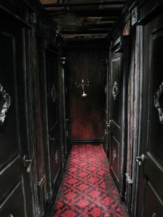About Haus On Pinterest Black House Victorian And Victorian Houses