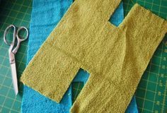 make your own swiffer pads Sewing Basics, Sewing Hacks, Sewing Tutorials, Sewing Crafts, Sewing Projects, Sewing Patterns, Sewing Tips, Basic Sewing, House Cleaning Tips