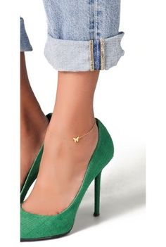 This is a cute simple anklet!