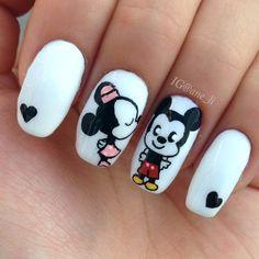 Aww cute mickey and mini mouse kiss love nail art