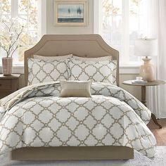 Madison Park Essentials Merritt 9-Piece Reversible Full Comforter Set In Taupe - Add a modern touch to your bedroom's décor with the exquisite Madison Park Essentials Merritt Reversible Comforter Set. Adorned with a fretwork design, the trendy bedding brings a simple yet chic look to your guest or master bedroom. #HomeDecorShops Full Comforter Sets, Twin Comforter Sets, King Comforter, Bedding Sets, Aqua Bedding, King Pillows, Floating, King Sheet Sets, Traditional Bedroom