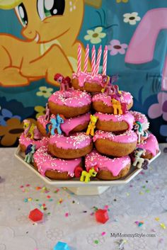 This My Little Pony doughnut cake is so easy and adorable. I want to make it for my daughter's next birthday!