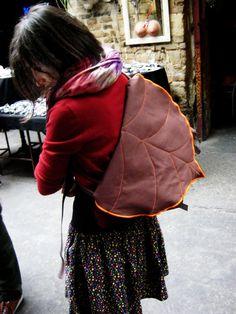 Marrone foglia Bike Messenger Bag accssory di LeaflingBags su Etsy