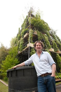 Welcome to my garden: Diarmuid with his tower