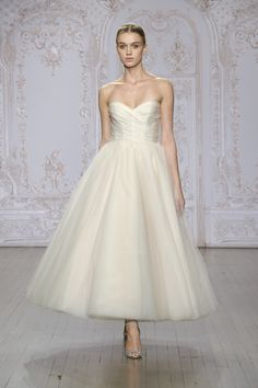 Sloane  https://www.moniquelhuillier.com/collections/tags/wedding/collection/fall-2015/content