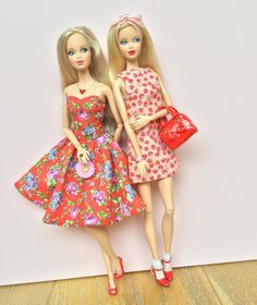Pretty prints  Dolls: Birthstone Beauties on pivotal bodies. #barbie #barbiedoll #barbiestyle #steffie #steffieface #barbieclothes #dollclothes #dollphotogallery #pivotal #shiftdress #bobbysocks #strawberryprint