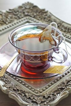 Nice Cup for drinking Tea Coffee Time, Tea Time, Chocolate Cafe, Cuppa Tea, Le Diner, Tea Art, My Cup Of Tea, Kakao, Tea Recipes