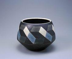 Inke Lerch Glass Ceramic, Ceramic Bowls, Ceramic Pottery, Ceramic Art, Color Glaze, Japanese Pottery, Contemporary Ceramics, Op Art, Geometric Shapes