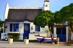 paternoster houses Holiday Destinations, Travel Destinations, Fishermans Cottage, African House, Cape Dutch, Dutch House, South African Artists, Beach Shack, Country Art