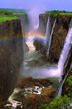 Victoria Falls, Zambia (by Ian Macfadyen on Flickr) This is one of the things I want to see before I die.