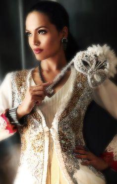 Fantasy Wedding Dresses | Bridal Fantasy - Stunning Wedding Dresses Fantasy Wedding Dresses, Stunning Wedding Dresses, Here Comes The Bride, Angelina Jolie, Bridal Dresses, To My Daughter, Inspiration, Vanity, Google Search