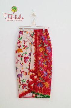 Batik Kebaya, Kebaya Dress, Blouse Batik, Batik Dress, Batik Fashion, Skirt Fashion, Rok Batik Modern, Dress Batik Kombinasi, Model Rok