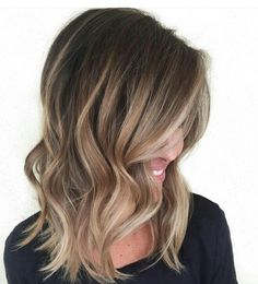Shiny Golden Bronde Balayage Hair The balayage hair looks stunning with touches of golden bronde on the smooth waves. Wear wavy for special occasions or straight for another style – this balayage will always make you look your best. Brown Balayage, Hair Color Balayage, Balayage Hairstyle, Blonde Balayage, Blonde Hair, Bayalage Light Brown Hair, Sombre Hair Brunette, Brunette Balayage Hair Short, Short Light Brown Hair