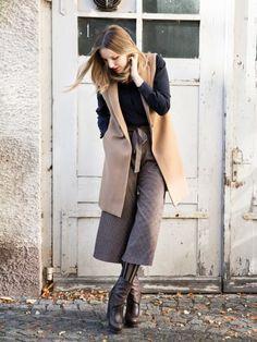 Was im Sommer easy zu stylen ist, kann im Winter eine wahre Herausforderung sein. Genau so eine Kandidatin ist die Culotte. Mit diesen Tipps klappt es garantiert.