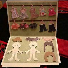 Bonecas troca roupa