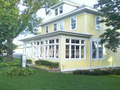 Google Image Result for http://housecrazy.files.wordpress.com/2012/02/marcias-house-exterior-1.jpg